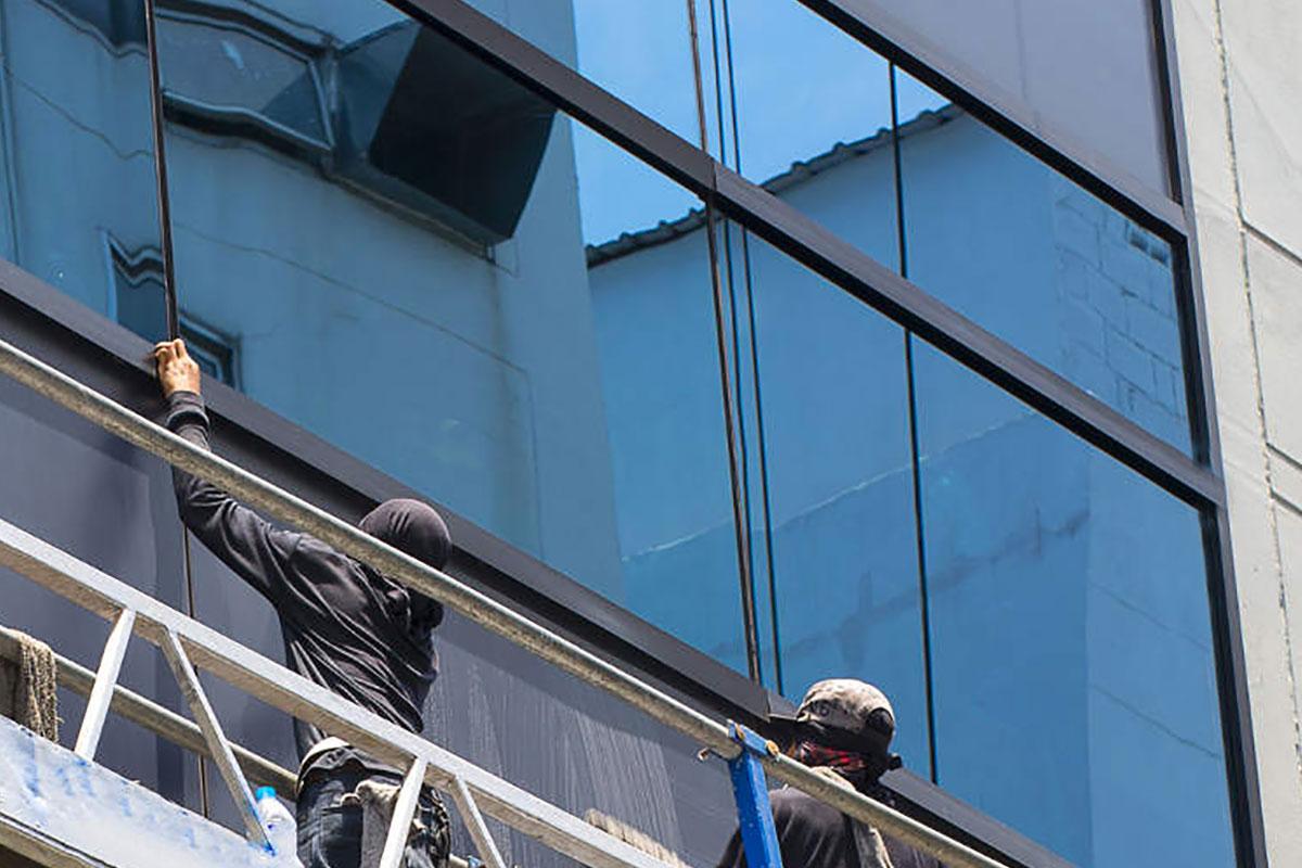 Pareti Esterne In Vetro : Pulizia vetrate e facciate esterne k all